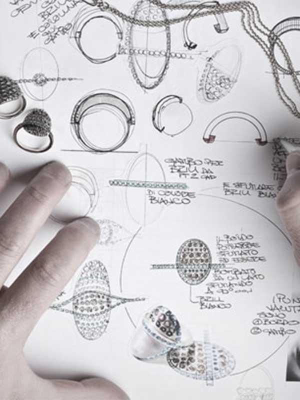 Diseñar la joya es la primera fase del proceso creativo